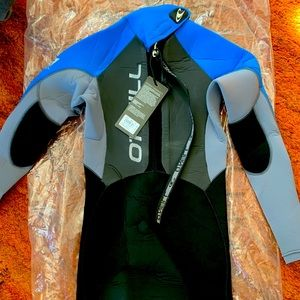 O'neil 4/3 brand new with tags wetsuit size 12